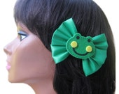 Frog Hair Bow, Green Hair Bow, Girls Bow, Toddler Hair Bow, Froggy Birthday Party, Frog Hair Accessories, Hairbow, Hair Clip