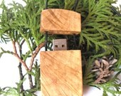 Unisex maple wood flash drive pendant. 16 GB. Thumb drive necklace.