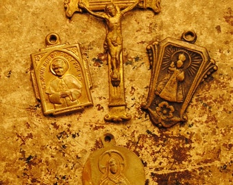 1900s brass 4 ANTIQUE pieces collection of antique brass copper vintage religious SCRAP medals, altered art, crafts, supplies jewelry no 60