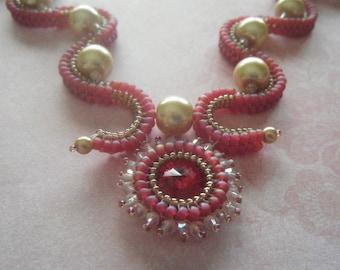 Scalloped Beadwork Necklace