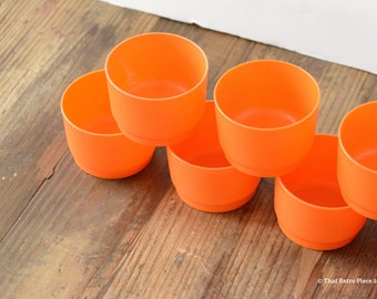 Tupperware: mini cups (or bowls), set of seven