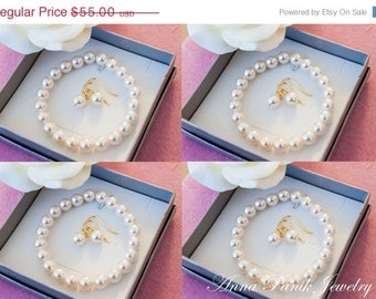 50% OFF SALE 5 Bridesmaids gifts-GOLD or Silver Pearl Jewelry sets with Bracelet and Earrings