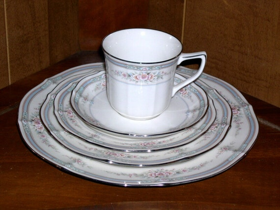 Noritake Rothschild 5 Pc Place Setting 7293 Japan Mint China