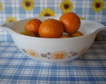 Pyrex Mixing Bowl  - Town & Country -  Cinderella Style - Tab Handles  - Large - Vintage 1960's
