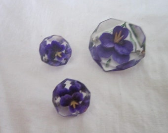 50's Lucite Set of 3 Brooches with Violets inside