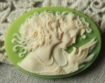 12pcs of resin vintage cameo-30x40mm-rc0339 -ivory on green