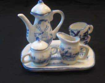 Miniature Dutch Blue Delft Tea Set with 8 Pieces
