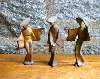 Vintage Midcentury Trio of Cast Iron Geishas