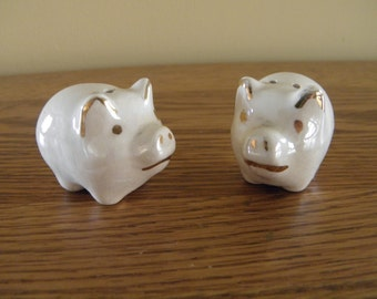 Tiny Pig Shakers with Gold Trim