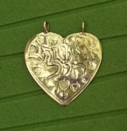 Eshet Chayil / Eshet Hayil Gold heart pendant engraved in Hebrew Eshet Chayil, Judaica Kabbalah, Handmade in Israel