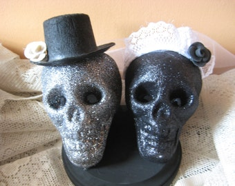 Day of the Dead/Sugar Skull  Cake Topper /Bride and Groom Skulls/ Day of the Dead Wedding/Halloween Wedding