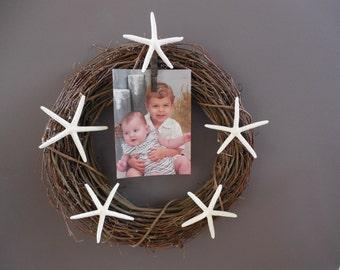 Beach home decor / starfish picture wreath / nautical / wall hanging