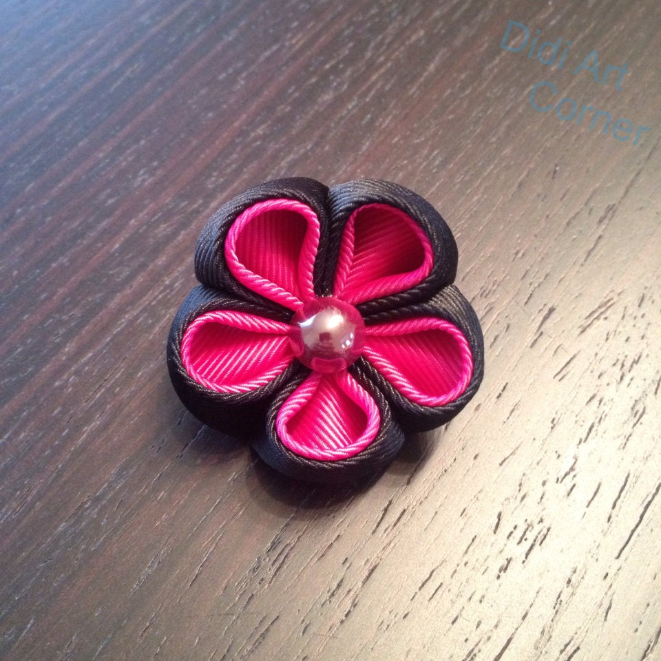 Stylish Beautiful Black Flower Lapel Pin: Black And Pink Kanzashi Inspired Flower Lapel Pin With Pearl