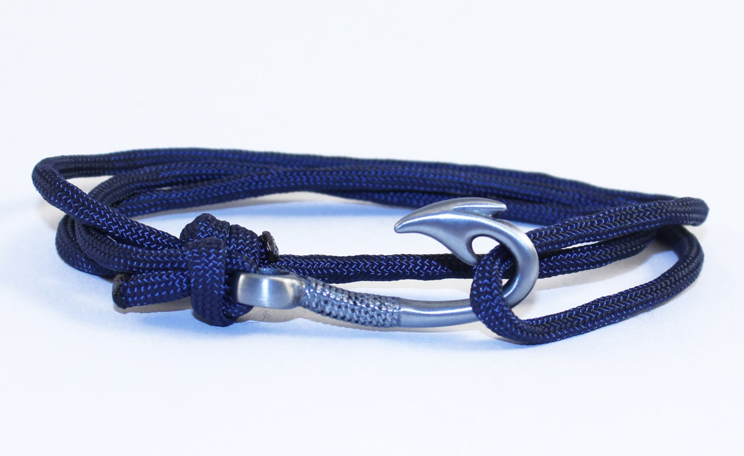 adjustable paracord hook bracelet navy by chasingfin on etsy