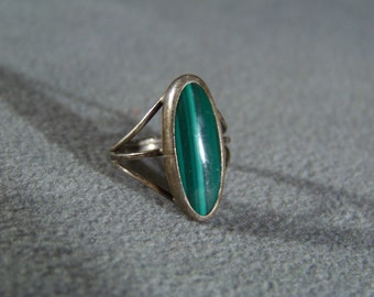 Vintage Sterling Silver Bold Marquise Malachite Domed Band Band Ring, Size 7      W