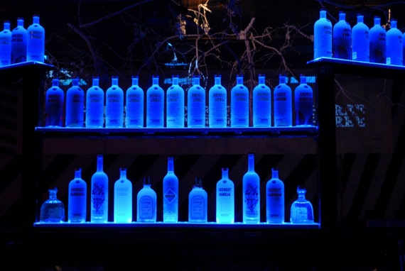 Decoracao   Madeira Demolicao further Display Bottle Presenter Koskenkorva Tap Set Api additionally Absolut Pallet Display moreover Photos Inside Vietnam Airlines Airbus A350 furthermore Acrylic Pop Merchandising Display Stands Display 613232389. on led bottle shelf