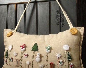 """Hanging Pillow: """"My Snowman Garden"""" (Cottage Style)"""