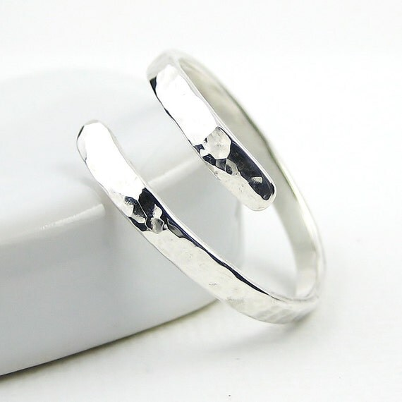 hammered sterling silver ring thumb ring wrap around ring