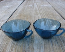 Set of 2 Vintage cobalt blue cup with handle from France Vereco / kitchen decor /  Species dishes / Art style kitchenware