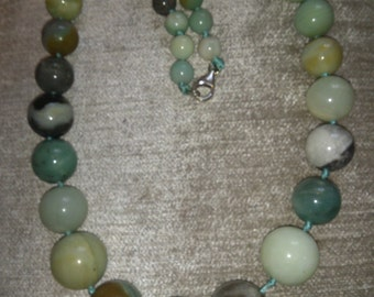 Beautiful vintage Agate beads necklace