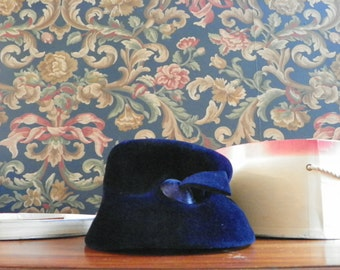 Vintage Antique 1940s Fez Hat with Matching Net in Pinehurst Hats Box