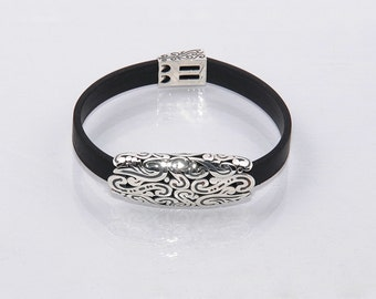 Handcrafted sterling silver bracelet, Byzantine design, Ingerina.