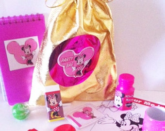 Minnie Mouse Party/Loot party bags with 8 items included