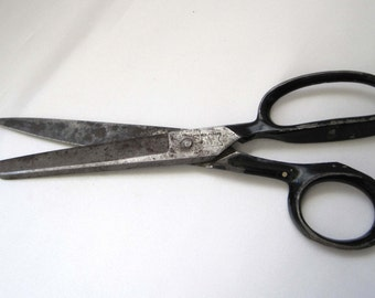 Vintage Black Handled Scissors Steel Forged Vintage