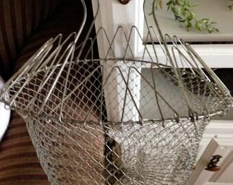 Vintage Egg Basket - Collapsible Basket - Metal Wire