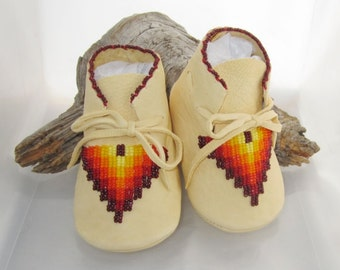 Native American Beaded Baby Moccs, Soft Soled Shoes, Boys Shoes, Moccasins, mocs, Genuine Leather Baby Shoes, Girls Shoes, Unisex Baby Shoes