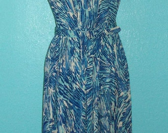 """60s Variegated Blues and White Printed Nylon Jersey """"Lane Bryant"""" Day Dress — modern size 14"""
