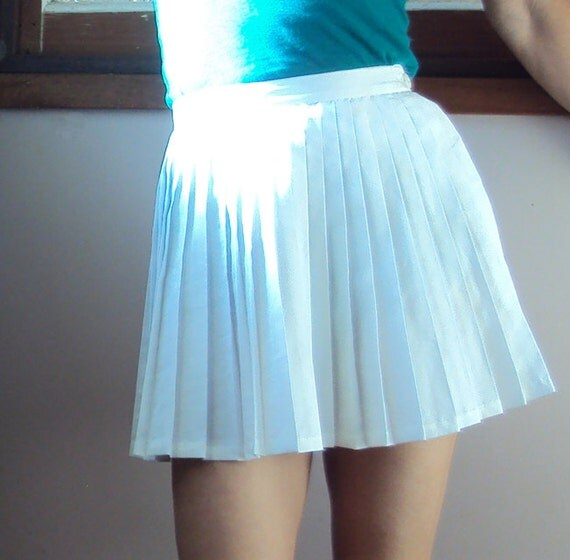 vintage white pleated terylene tennis skirt size 6 by