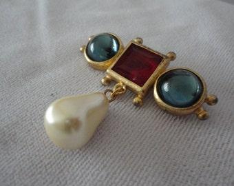 Vintage Renaissance Stye Pear Pearl Brooch.