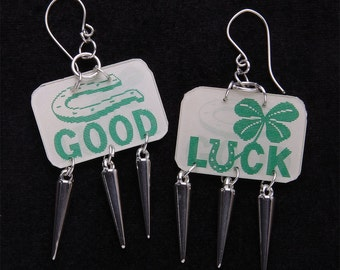 balls of metal and rivets silver 'good chance' ears with holograms, vari - view clover has 4 leaves and Horseshoe