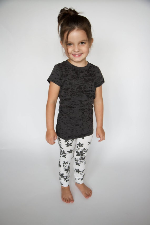 Shop baby girl bottoms at sofltappreciate.tk Visit Carter's and buy quality kids, toddlers, and baby clothes from a trusted name in children's apparel. Shop baby girl bottoms at sofltappreciate.tk Visit Carter's and buy quality kids, toddlers, and baby clothes from a trusted name in children's apparel. These leggings are a little more tight then usual.