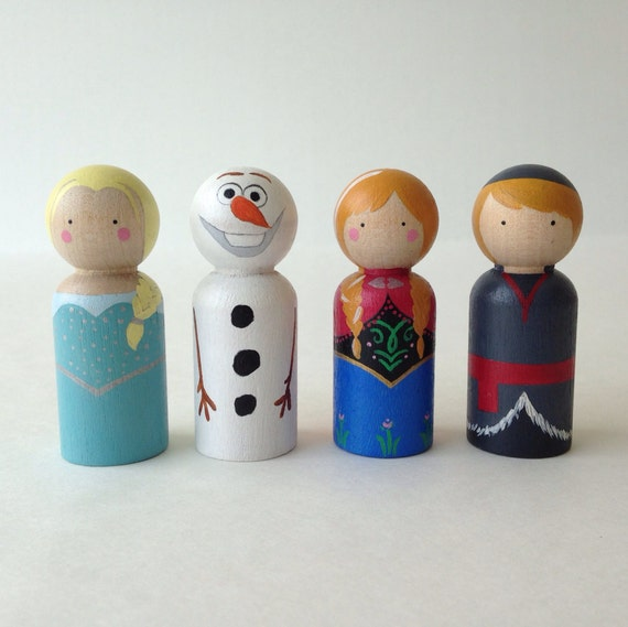 Frozen peg dolls 4pc set including Elsa, Anna, Kristoff, and Olaf