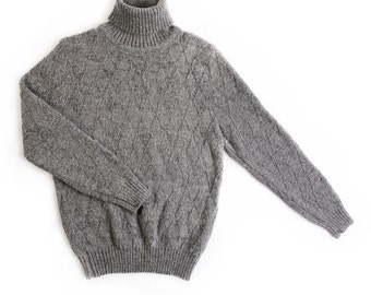 Men's knitted lambswool turtleneck sweater/high neck jumper/polo neck/gray/sweater/cardigan/round neck/pattern