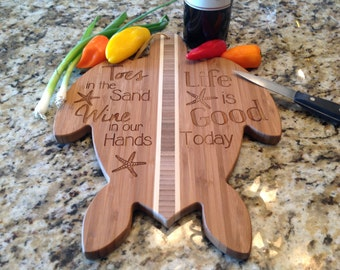 """Sea Turtle Cutting Board, Toes in the Sand, Engraved 14-5/8"""" x 10"""" Bamboo, beach decor, wedding gift"""