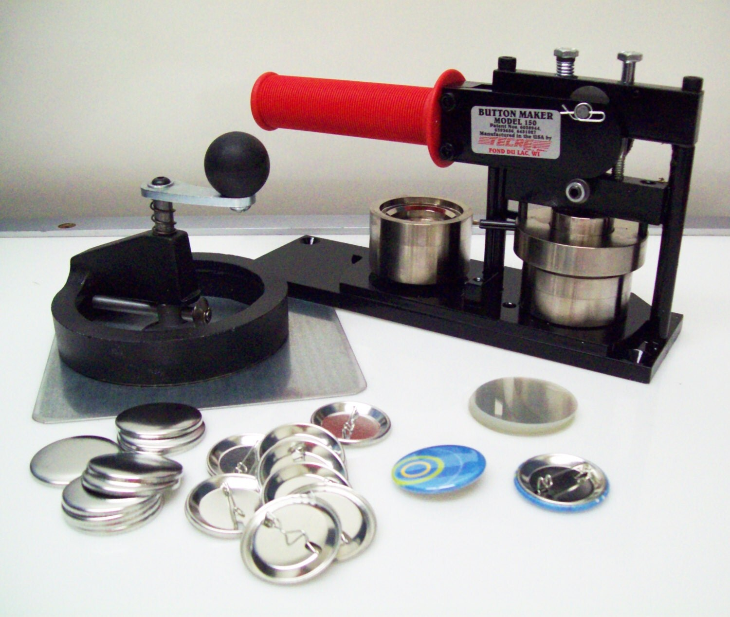where can i buy a button maker machine