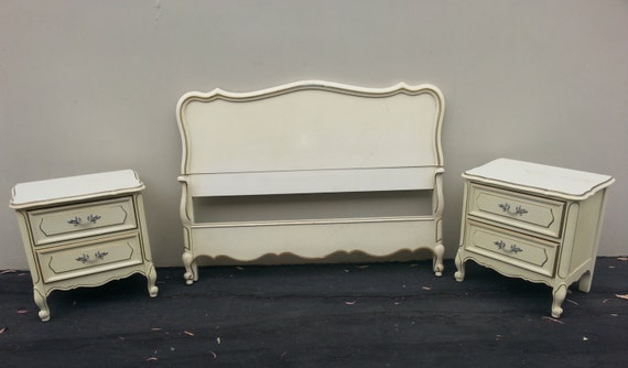Bedroom set french provincial dixie vintage country french for French provincial bedroom furniture