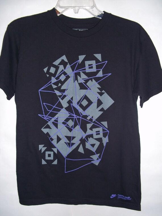 Nike Geometric Design Small T Shirt 80 39 S 90 39 S By 9livescustom