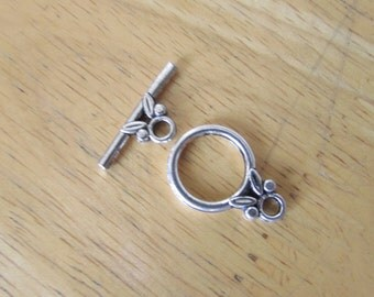 5 Set of Silver Flower Round Toggle Clasp