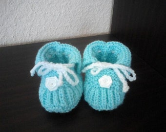 very sweet knitted baby shoes