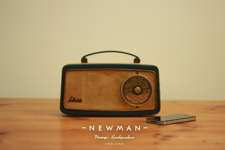 vintage ekco radio converted into bluetooth music speaker. Black Bedroom Furniture Sets. Home Design Ideas