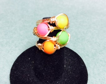 Set of 4 Neon wire wrapped rings