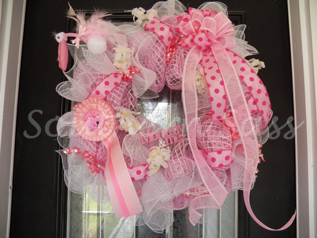 It 39 s a girl welcoming wreath baby shower decoration door for Baby shower door decoration