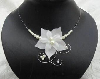 Collier mariée mariage soirée Fleur de soie ivoire Nora  Necklace wedding evening ivory silk flower Nora bridal bride