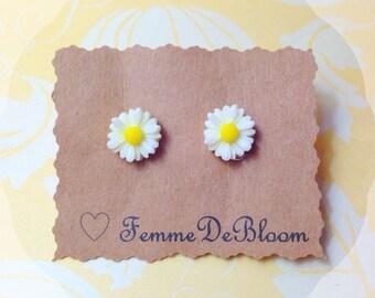 "Handmade ""Darling Daisy"" Dainty White Daisy Earrings"