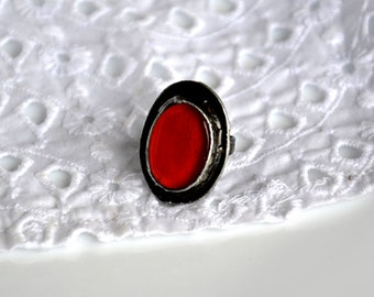 SIMPLE RED, statement ring, nostalgic, retro ring, adjustable ring, coctail ring, intense red oval ring, romantic ring, vintage ring