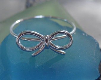 Bow ring- Sterling silver